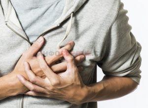 Что делать если боль в сердце отдает в левую руку?