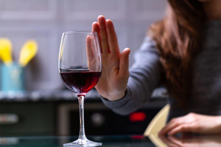 Лечение алкогольной зависимости: с чего начать?